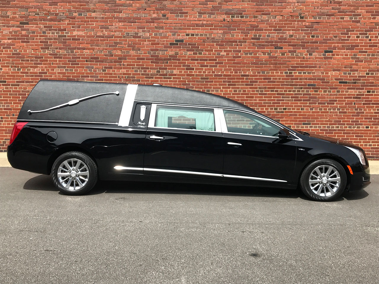 2017 Cadillac Eagle Kingsley Hearse