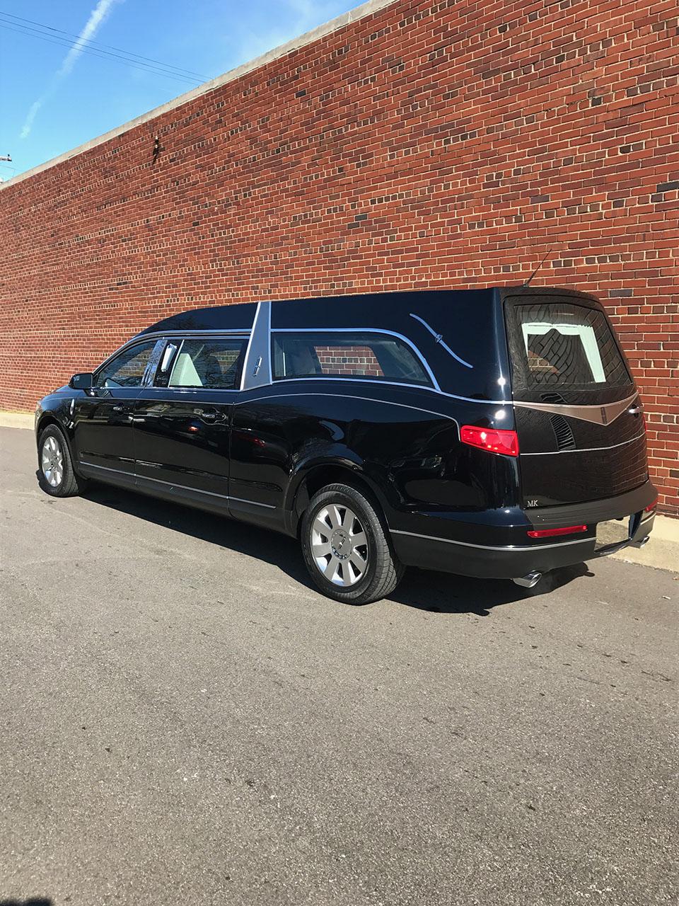 2017 Lincoln Mk Grand Legacy Hearse