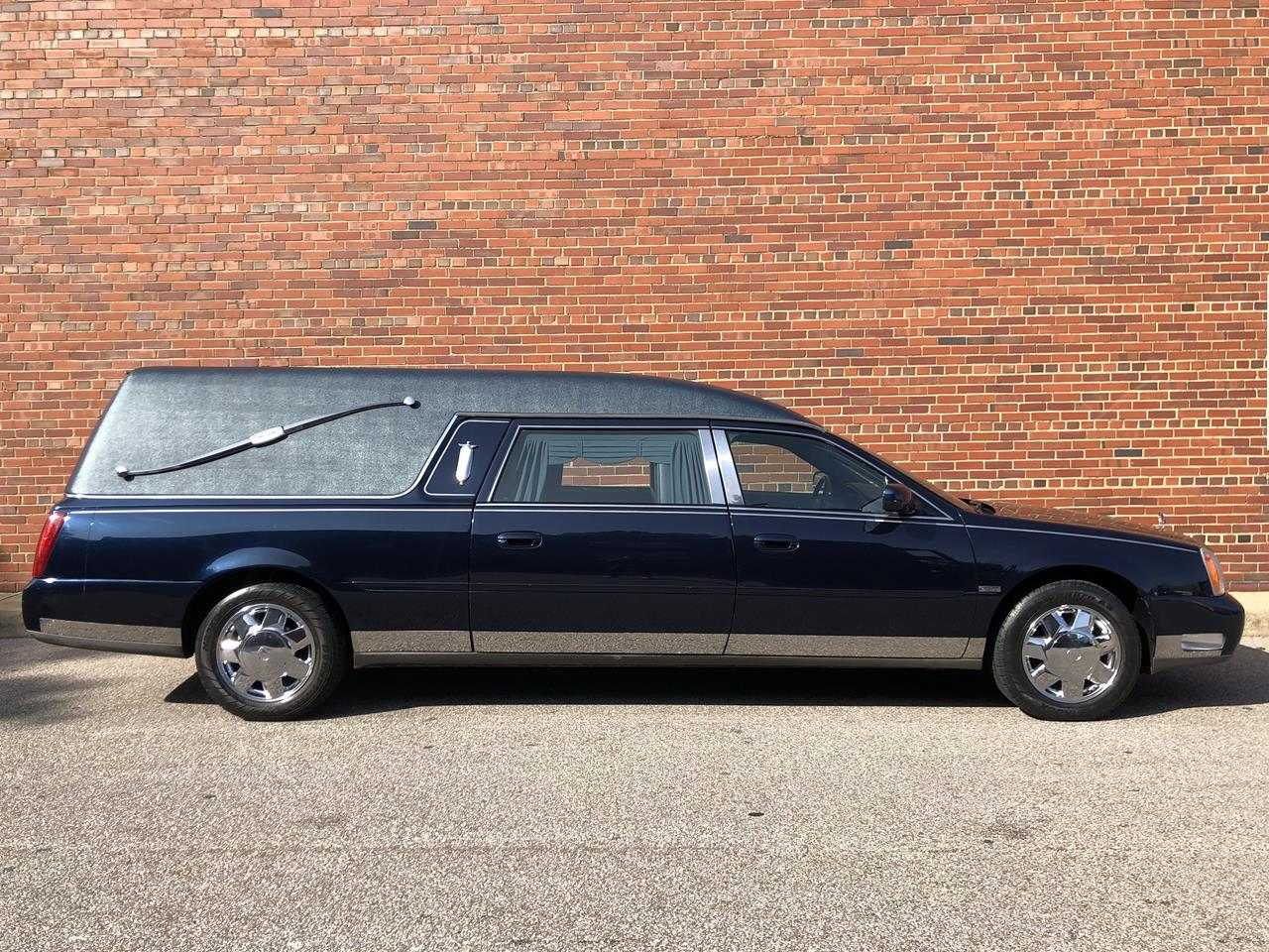 2003 Cadillac Eagle Kingsley Hearse