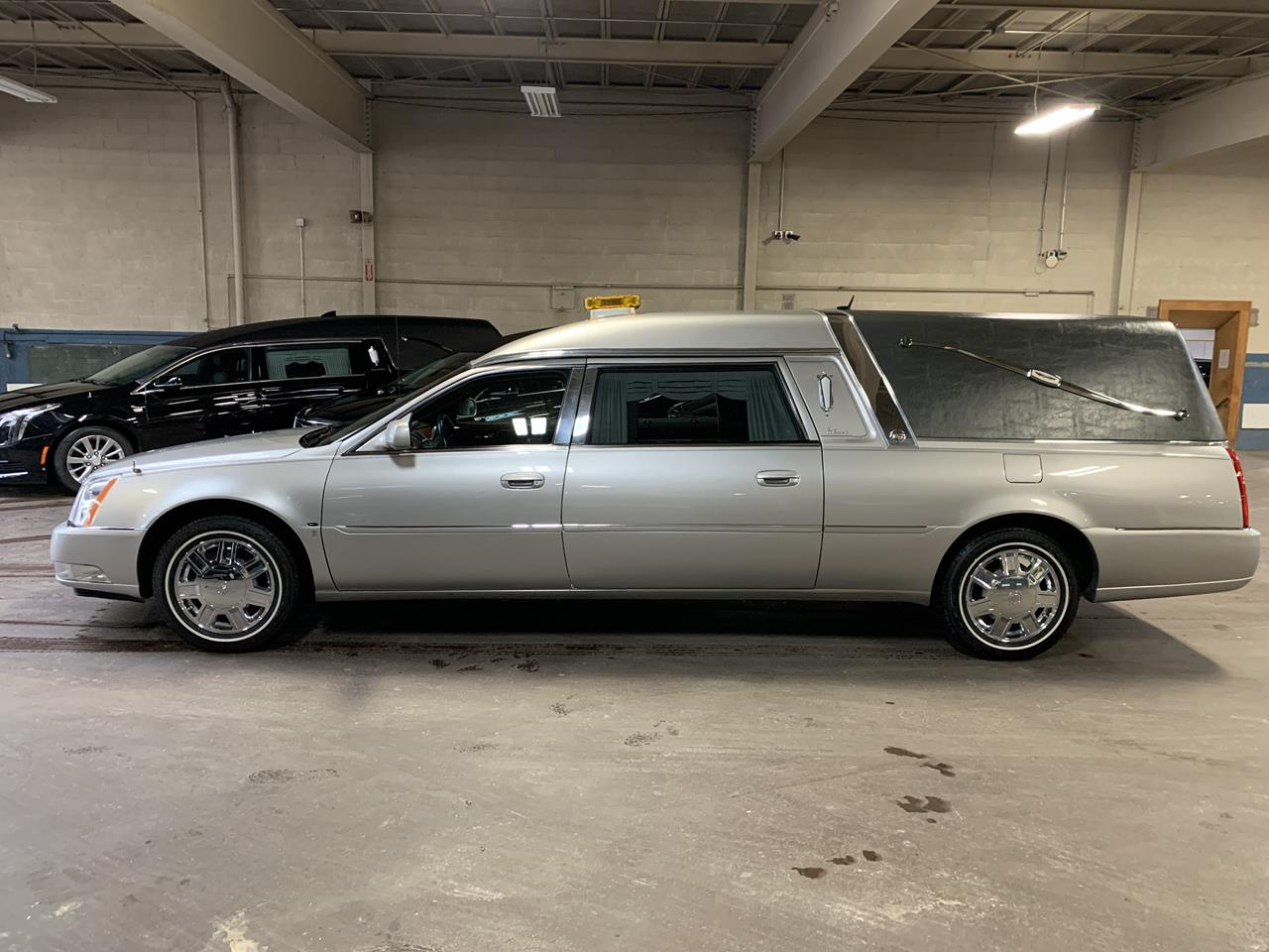 2006 Cadillac Eagle Kingsley Hearse 900 2