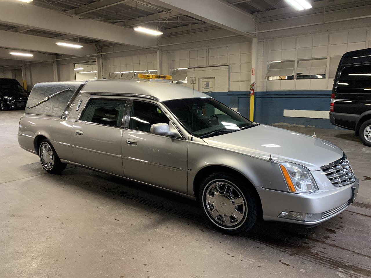 2006 Cadillac Eagle Kingsley Hearse 900 6