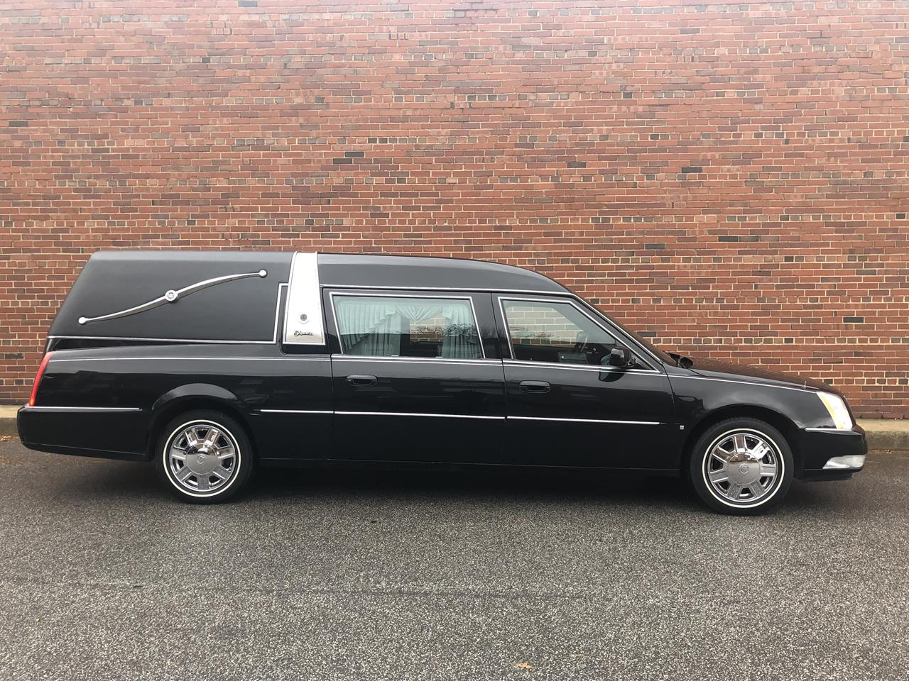 2006 Cadillac Superior Crown Sovereign Hearse