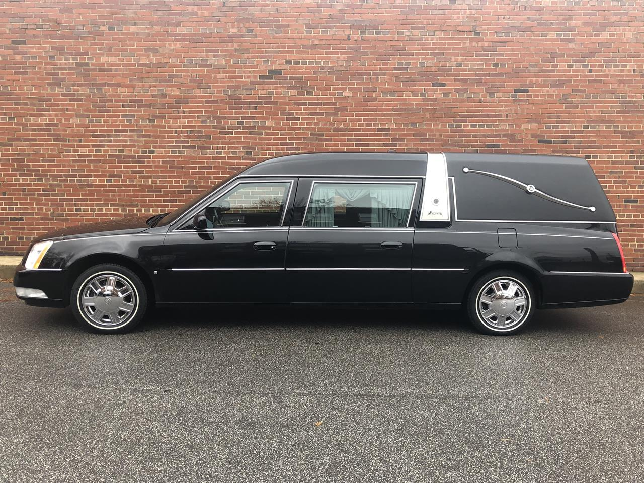 2006 Cadillac Superior Crown Sovereign Hearse 93 17