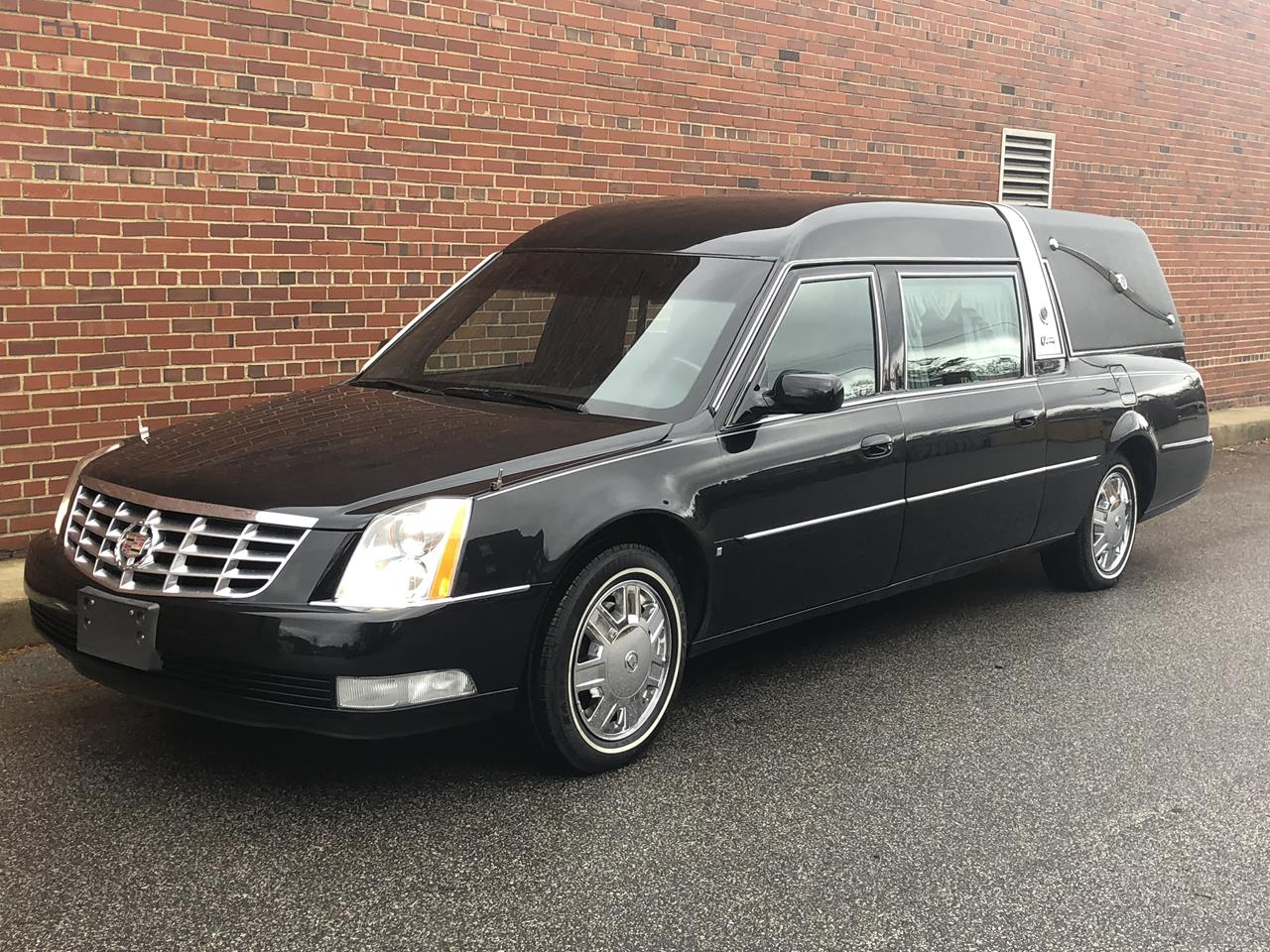 2006 Cadillac Superior Crown Sovereign Hearse 93 18