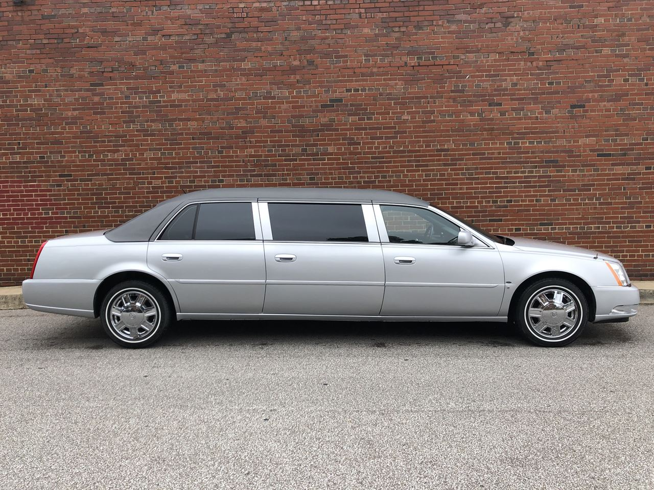 2007 Cadillac Eagle 6 Door Limousine