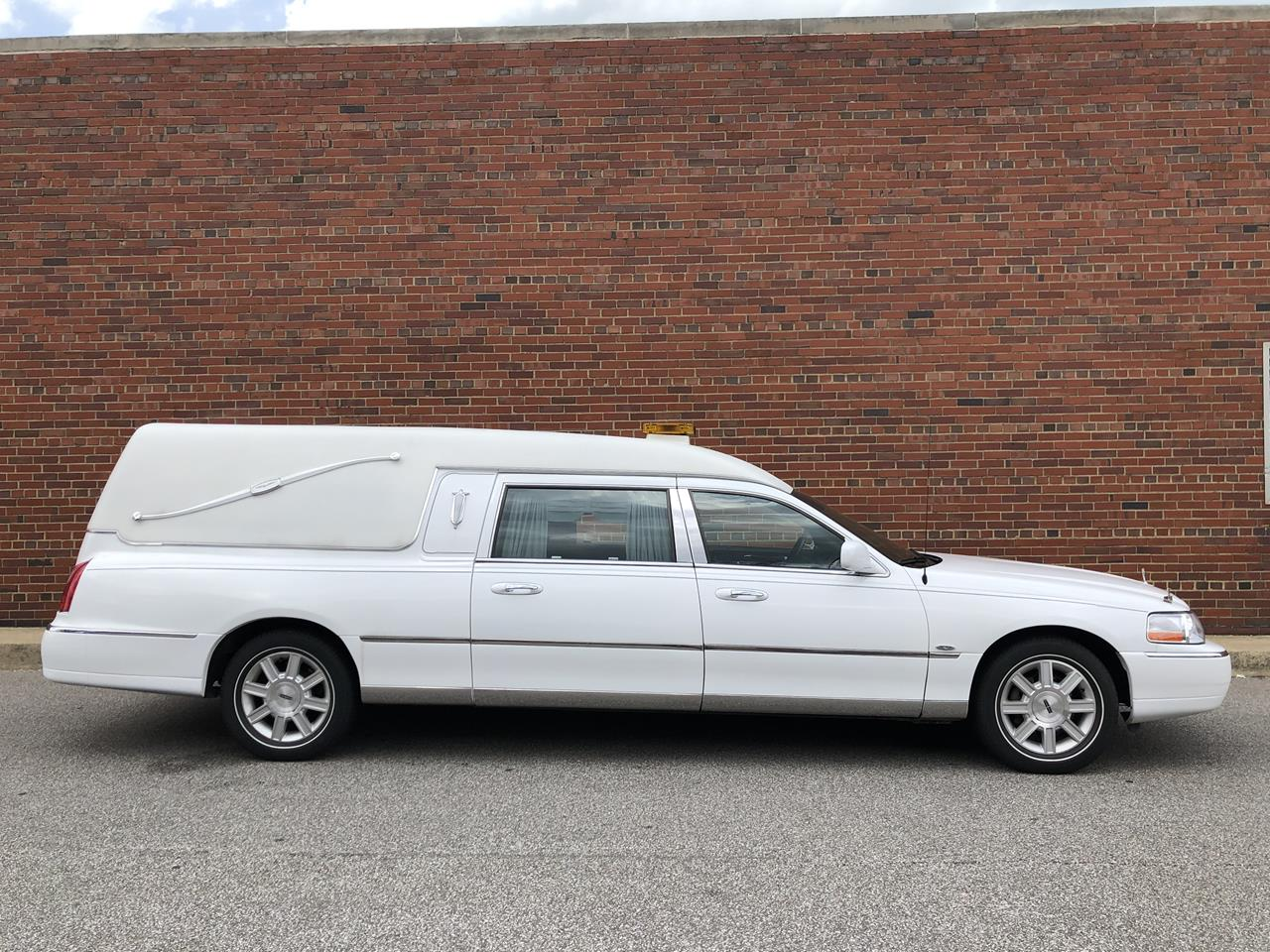 2007 Lincoln Eagle Kingsley Hearse