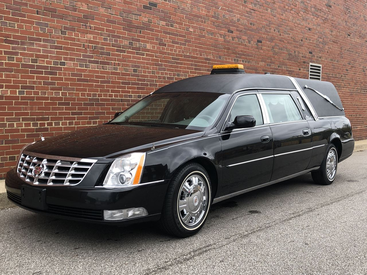 2011 Cadillac Eagle Kingsley Hearse 18 18
