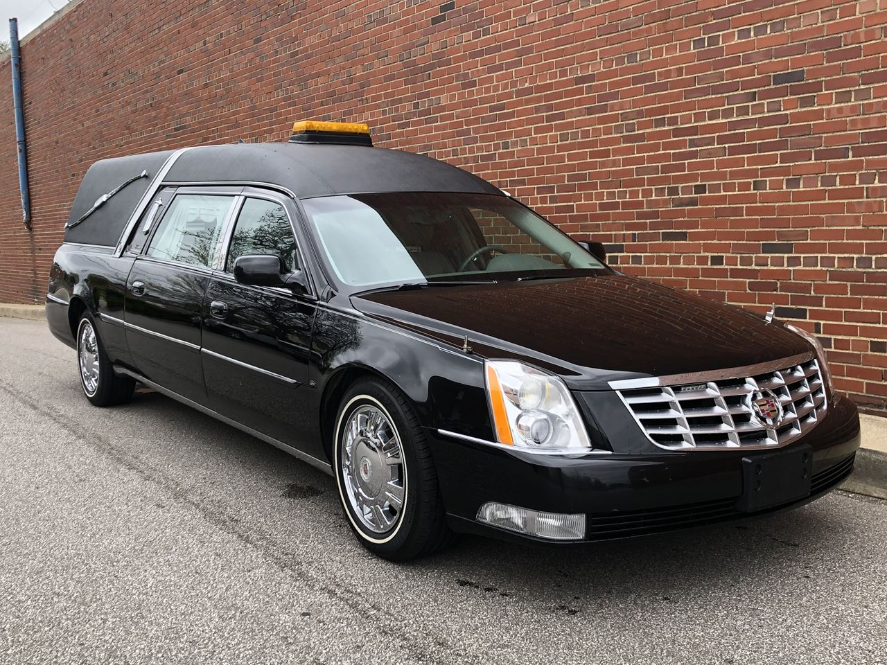 2011 Cadillac Eagle Kingsley Hearse 18 2