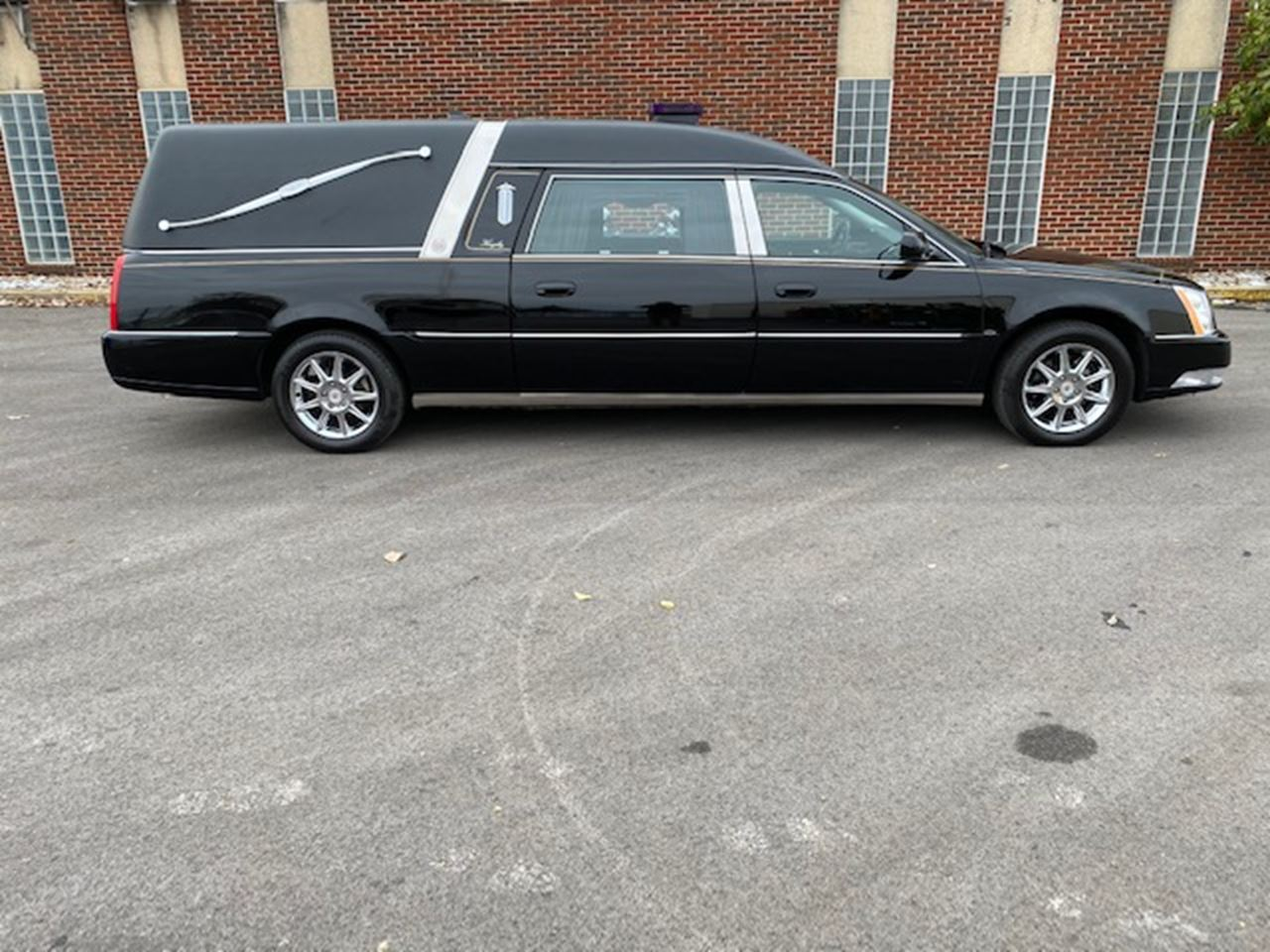 2011 Cadillac Eagle Ultimate Hearse 2 11