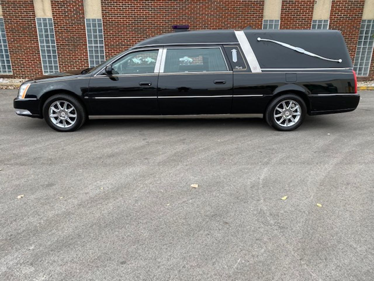 2011 Cadillac Eagle Ultimate Hearse 2 2
