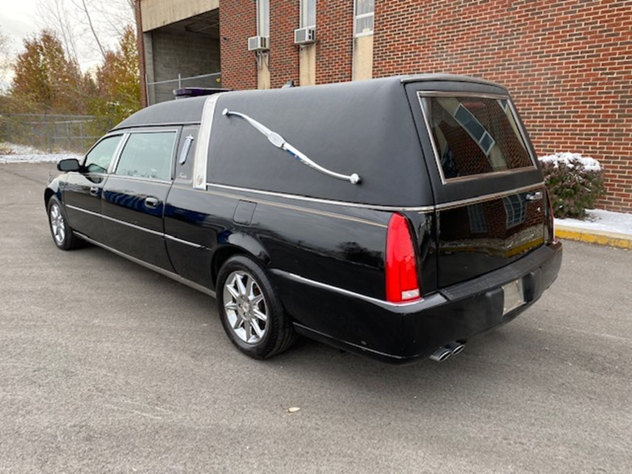 2011 Cadillac Eagle Ultimate Hearse 2 3