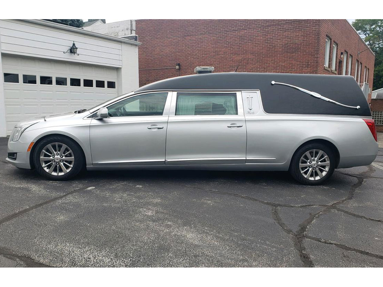 2014 Cadillac Eagle Kingsley Hearse