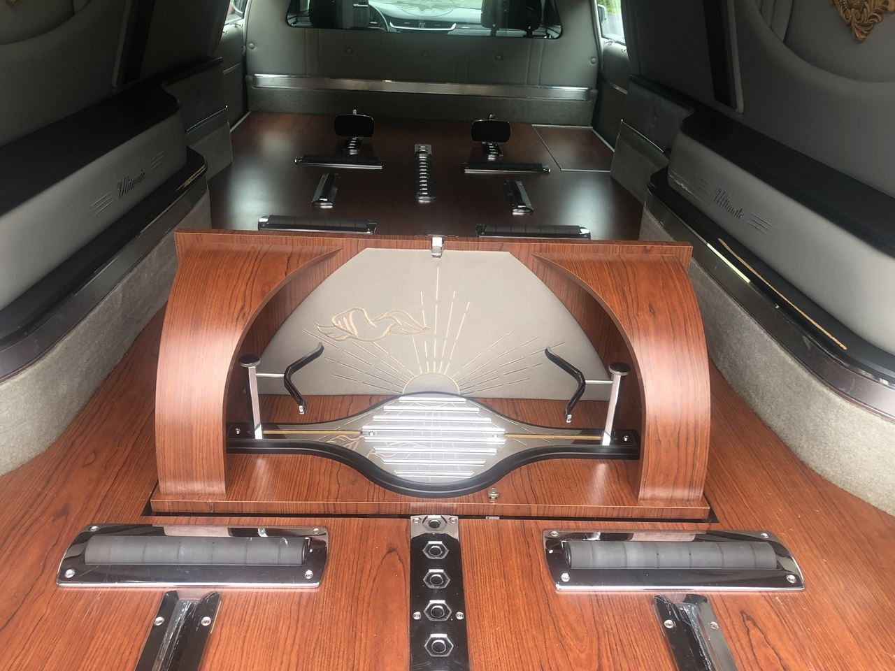 2014 Cadillac Eagle Ultimate Hearse 21 5