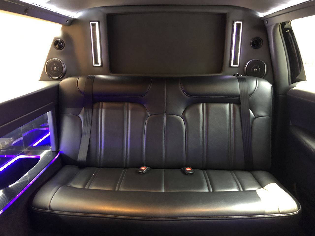 2014 Lincoln Royale 120 Stretch 5 Door 82 14