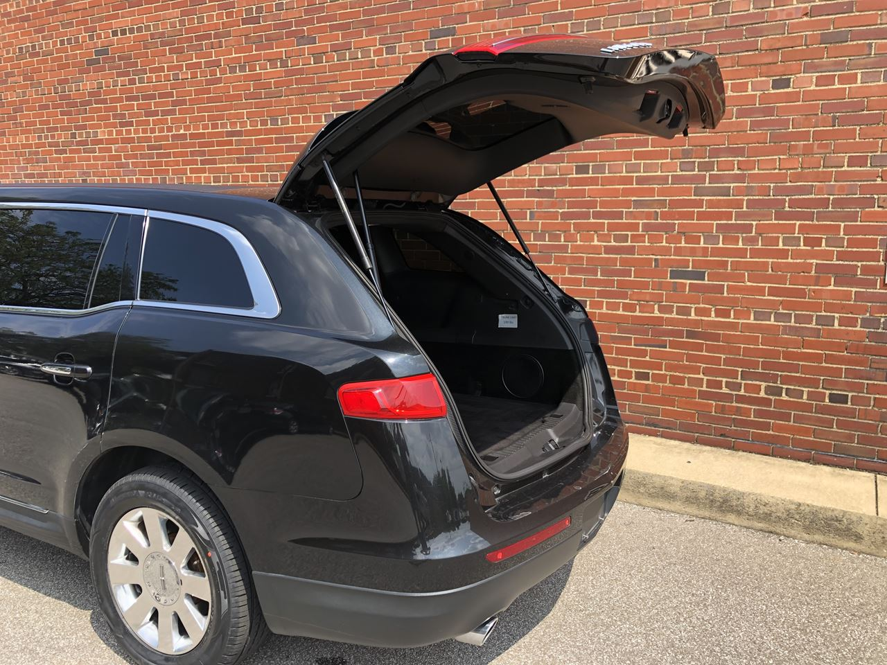 2014 Lincoln Royale 120 Stretch 5 Door 82 24