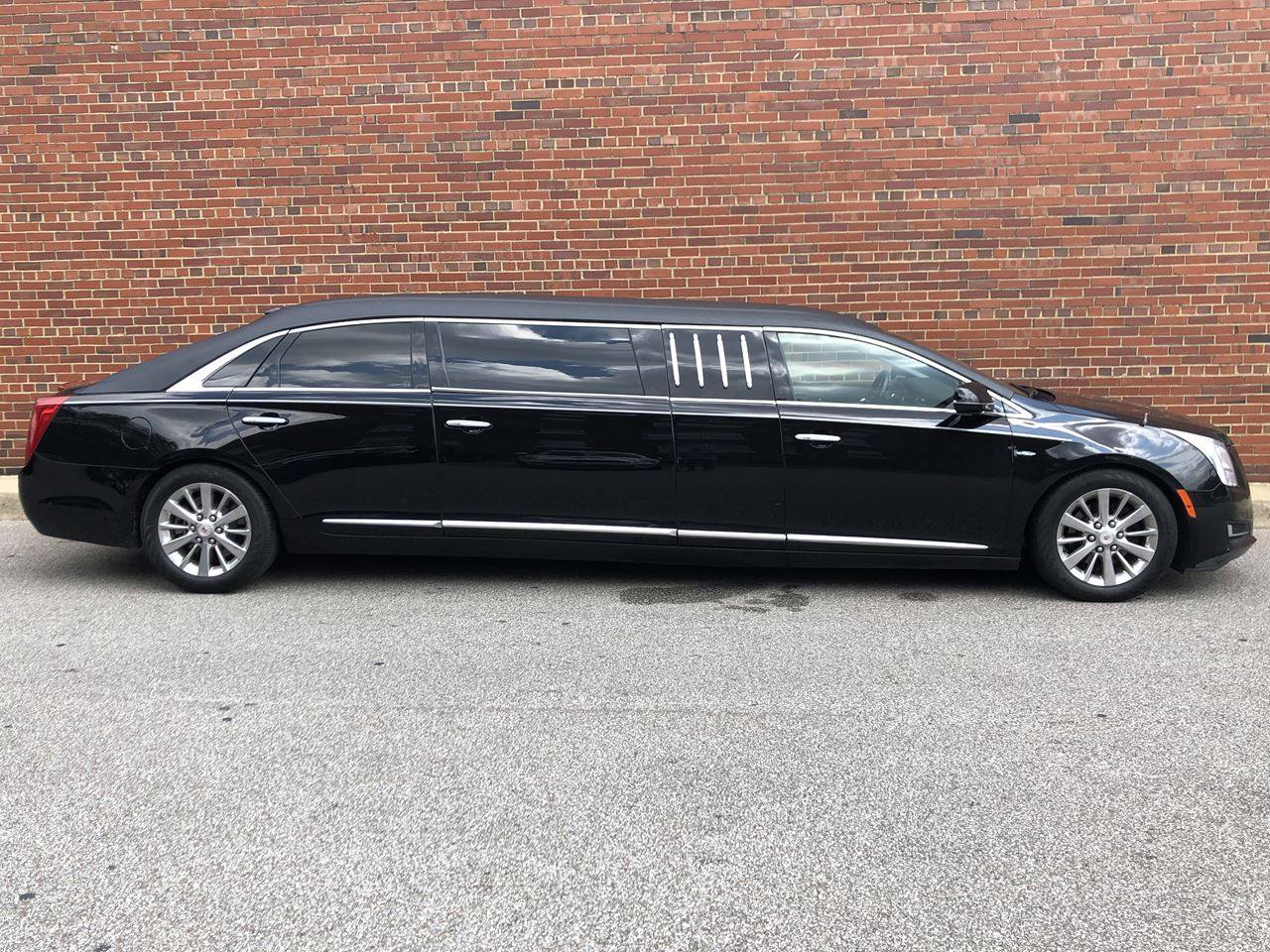 2015 Cadillac Eagle 70'' Six Door Limousine