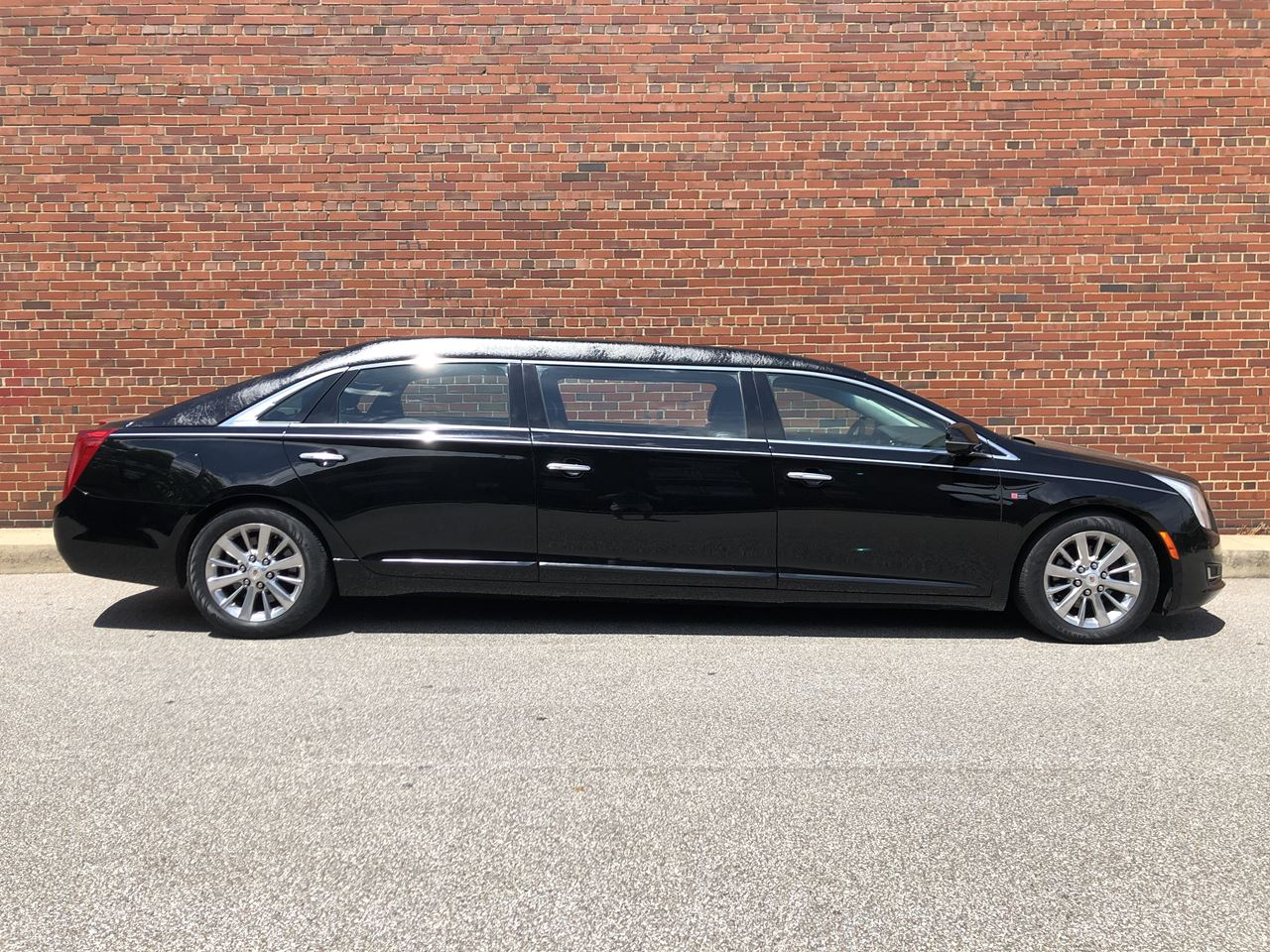 2015 Cadillac Lehmann-Peterson 52'' Stretch Limousine