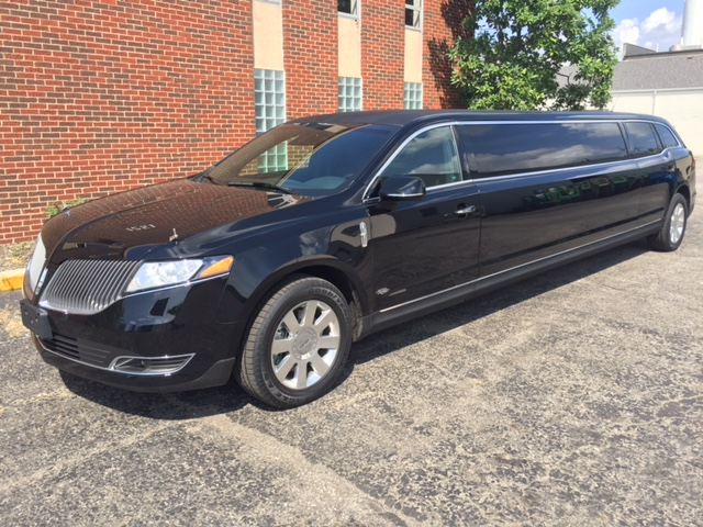 2016 Lincoln Royale Coach 5 Door Limousine