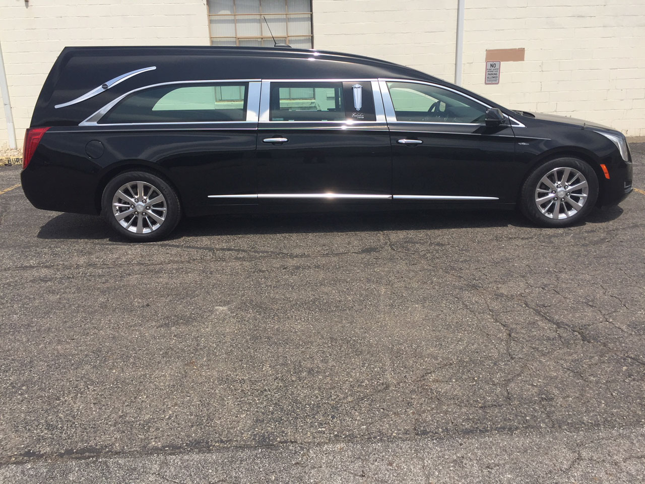 2017 Cadillac Eagle Echelon Hearse