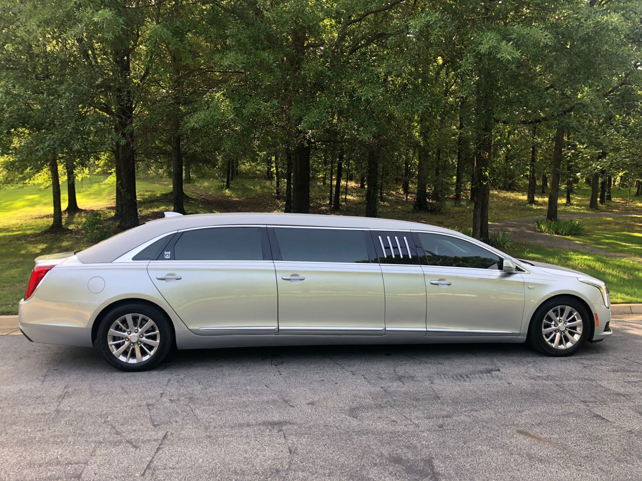 2019 Armbruster Stageway Cadillac 70 Stretch Limousine 14
