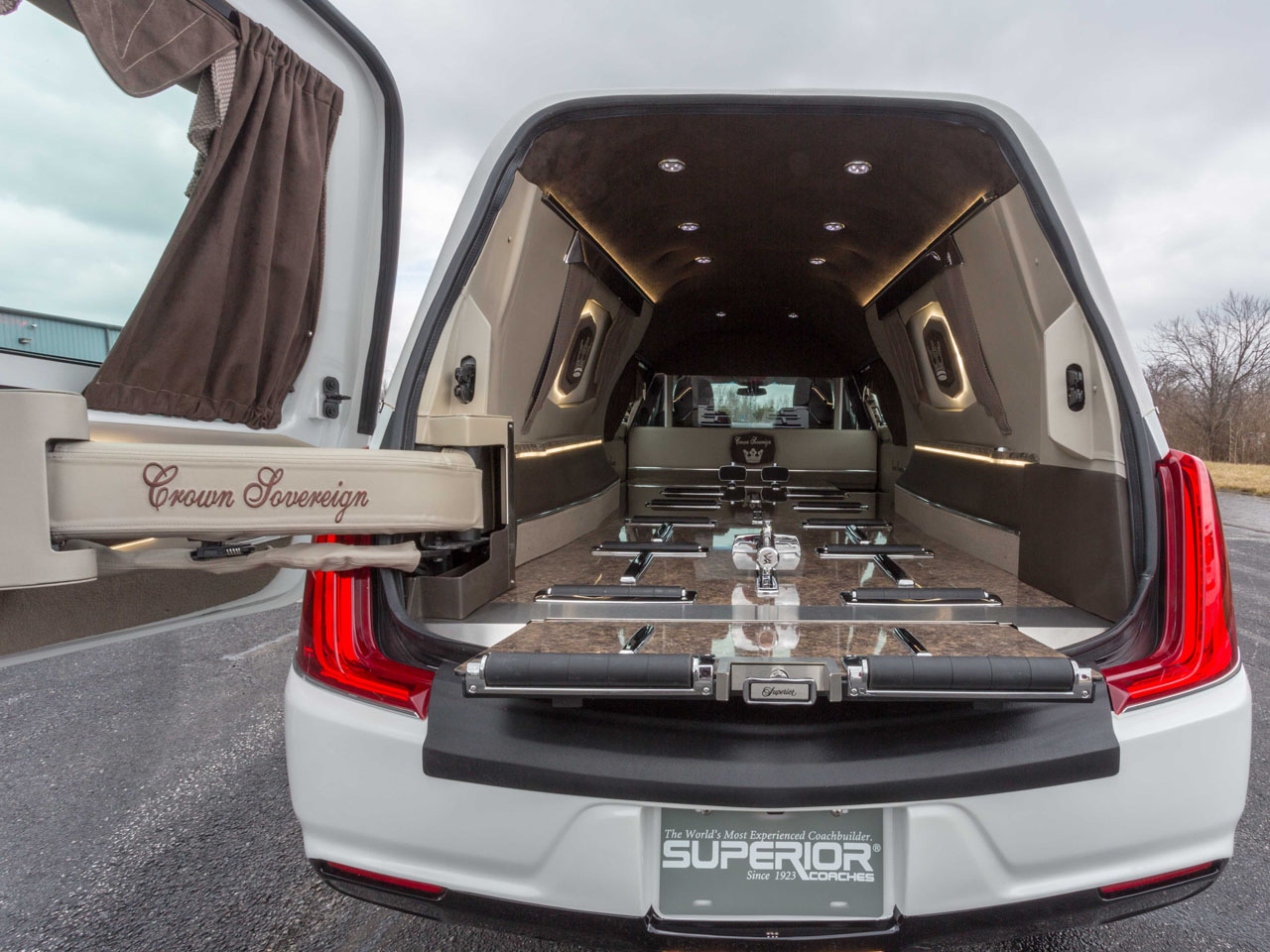 2019 Cadillac Crown Sovereign Hearse 9