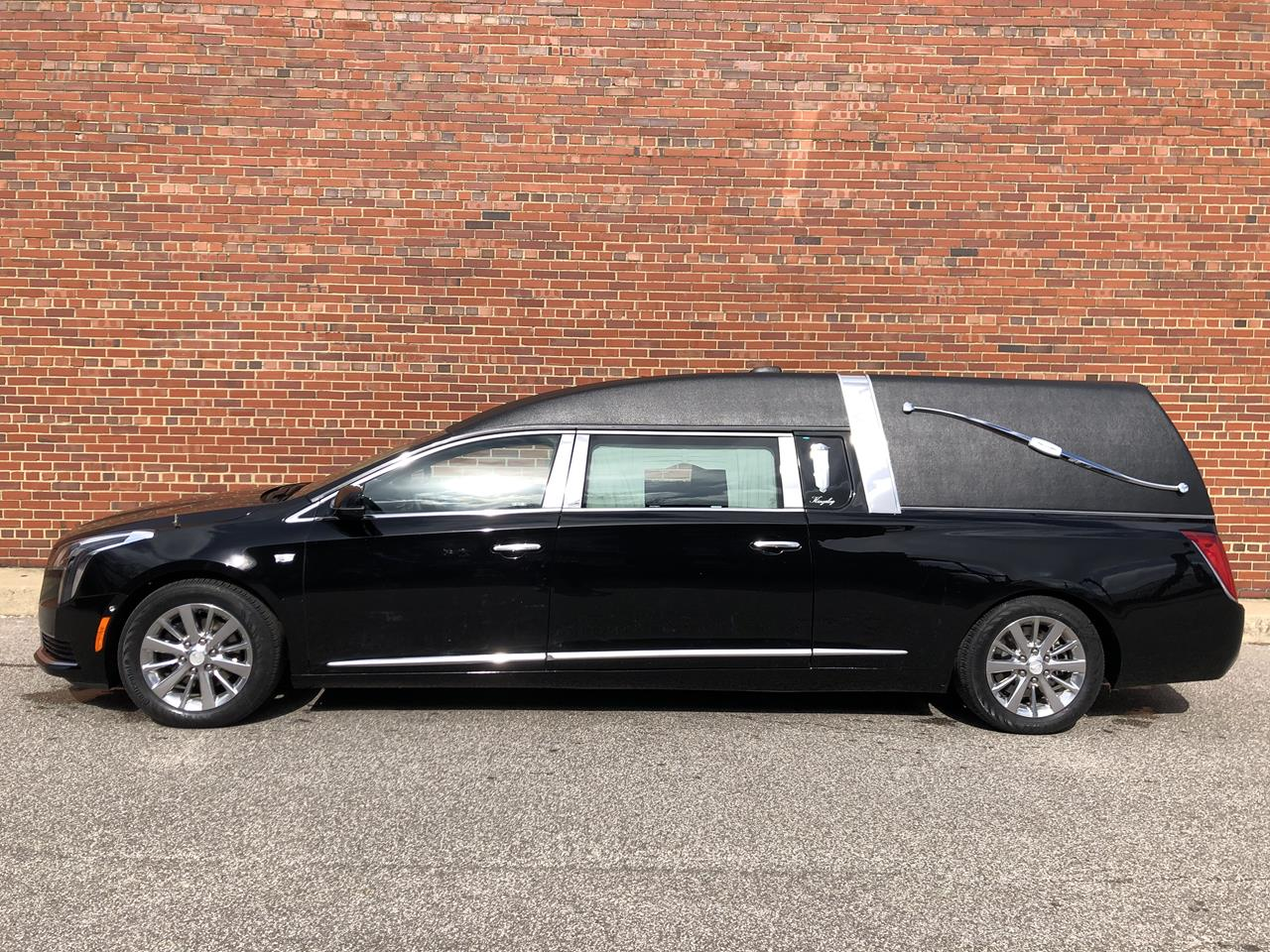 2019 Cadillac Eagle Kingsley Hearse 19 17