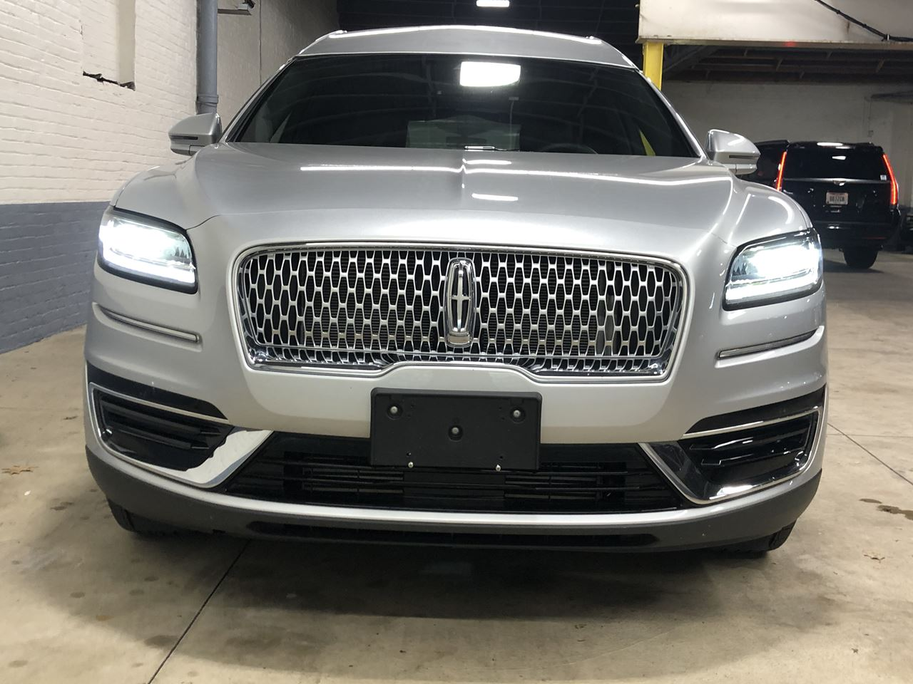 2019 Lincoln Nautilus MK Grand Legacy Limited 322 3