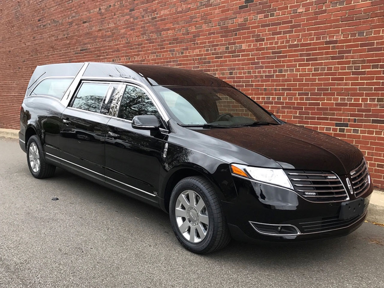 2019 MK Coach Company Grand Legacy Limited Hearse 6
