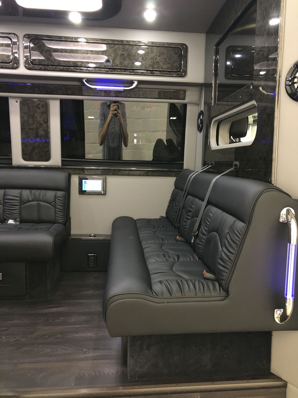 2019 Mercedes Benz Midwest Automotive Sprinter Limousine 21 6