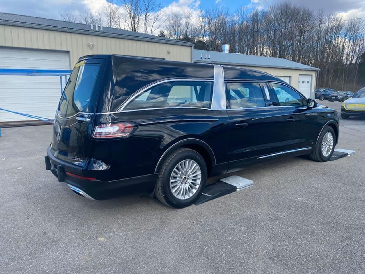 2020 Lincoln Grand Legacy Limited Hearse 900 2