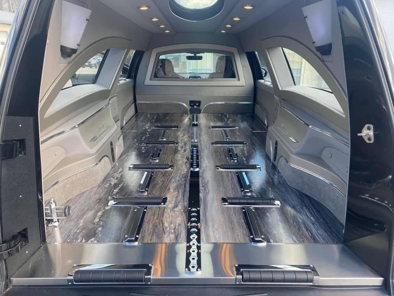 2020 Lincoln Grand Legacy Limited Hearse 900 4